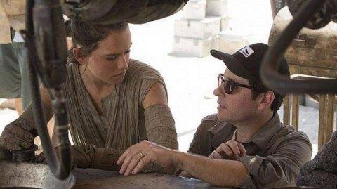 [MAJ] JJ Abrams clarifie ses propos sur les parents de Rey