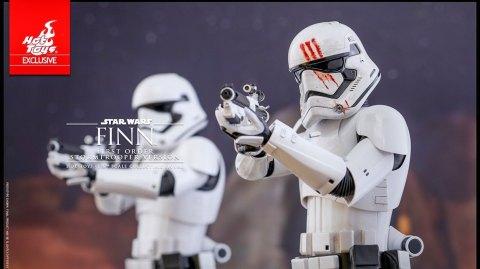 Hot Toys: Finn Stormtrooper à l'échelle 1/6ème