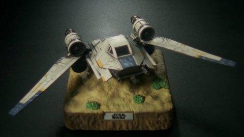 Un U-Wing flottant pour votre collection !