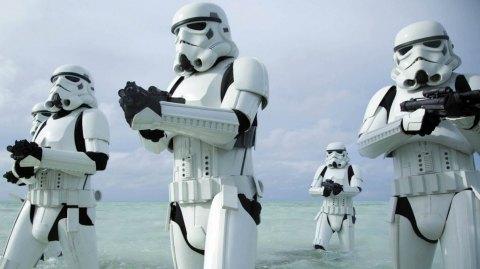 Des femmes Stormtroopers dans la novélisation officielle de Rogue One