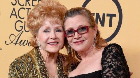 Debbie Reynolds, la mère de Carrie Fisher, est décédée...