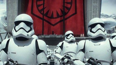 Rian Johnson dévoile les nouveaux Stormtroopers de The Last Jedi !