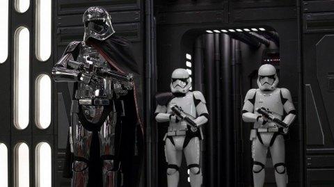 Les Derniers Jedi: nouvelles images de Phasma et du Général Hux