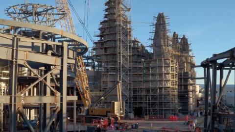 Une vidéo des travaux du Galaxy's Edge en Californie