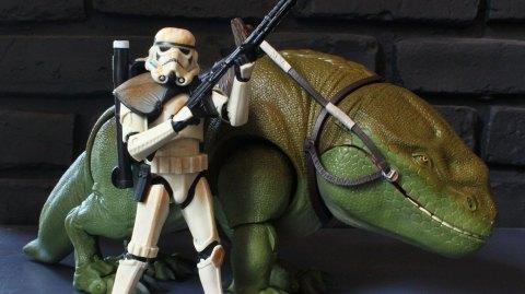 Review du pack Sandtrooper & Dewback Black Series chez Hasbro