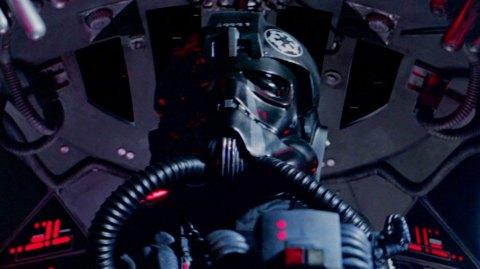 Un casque de pilote TIE vendu 190 000 £ aux enchères