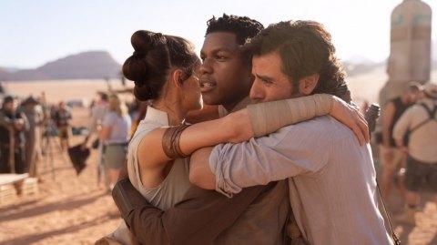 L'épisode IX devrait conclure les trois trilogies selon Oscar Isaac