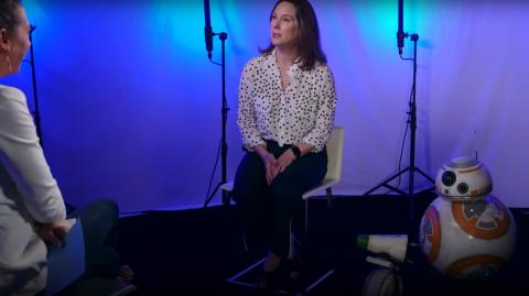 Kathleen Kennedy présente le nouveau Droïde l'épisode IX: D-0