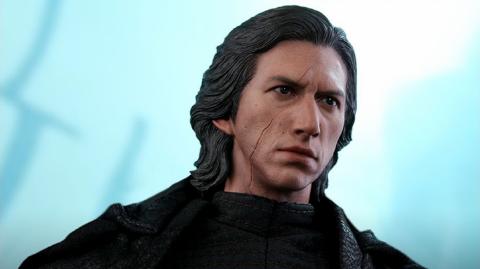 Une figurine de Kylo Ren version Ascension de Skywalker chez Hot Toys