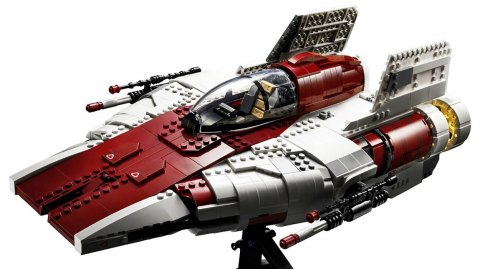 LEGO sort son A-Wing version Ultimate Collector Series (USC)